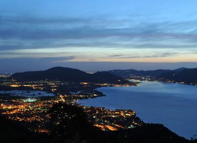 lago d'Iseo la sera